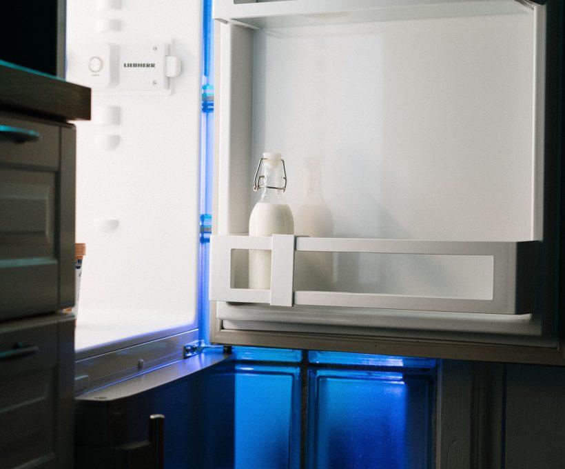 Waardoor wordt de prijs van een koelkast bepaald?